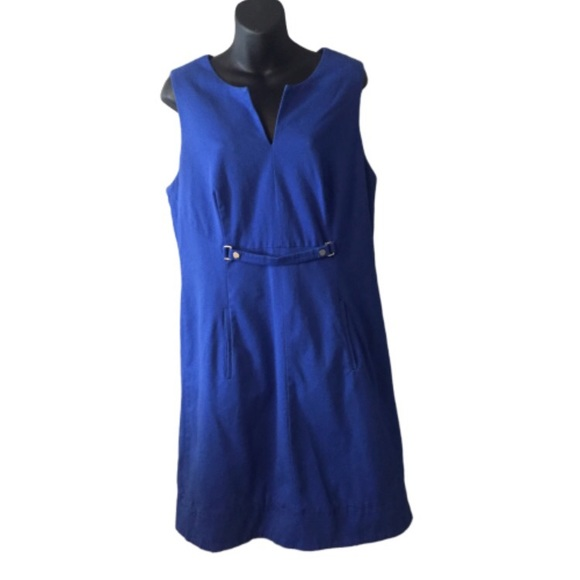 Adrianna Papell Dresses & Skirts - Adrianna Papell Royal Blue Sleeveless Dress